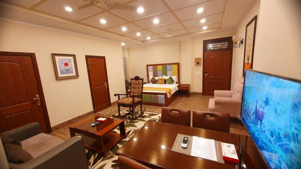 best hotels for families in Lahore